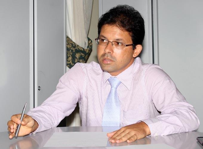 """Secretário Machado: """"não há legislação municipal que garanta a isenção das taxas"""""""