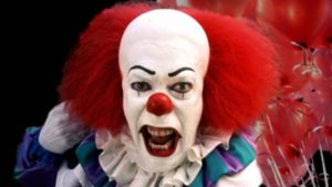 first-look-at-pennywise-the-clown-from-stephen-kings-it-movi_z1u5