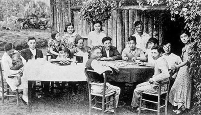 18-de-junho-em-1908-aporta-em-santos-o-navio-kasato-maru-trazendo-os-primeiros-imigrantes-japoneses-ao-brasil1